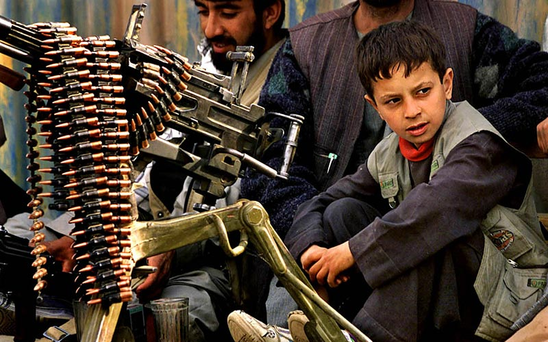 travels-asia-afghanistan-child